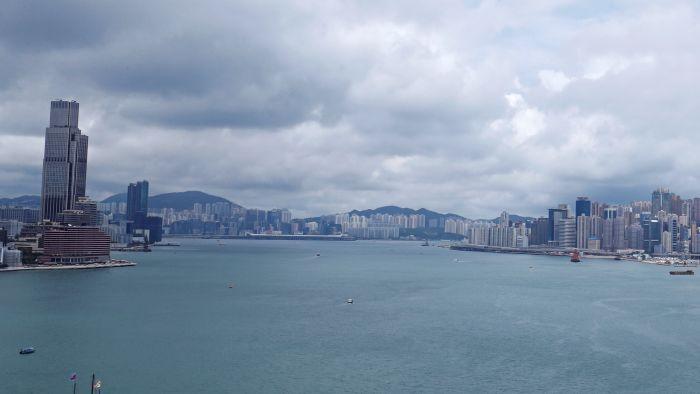"""中国精英藏富香港 """"一国""""与""""两制""""难取舍?"""