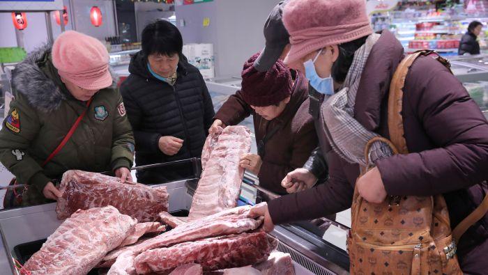 凭实力吃猪肉 贵州一学校奖励优等生有新招