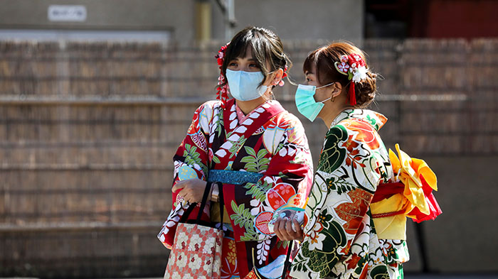 """中国肺炎 日本""""感冒"""""""