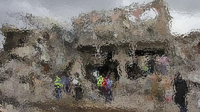 索马里首都恐袭遇难人数升至276 民众谴责