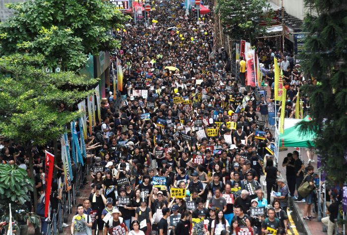 时代周刊:香港的动荡夏天 vs 乌克兰的凜冬烈火