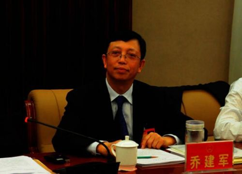 """中国公务员""""下海""""赚钱难度增高"""
