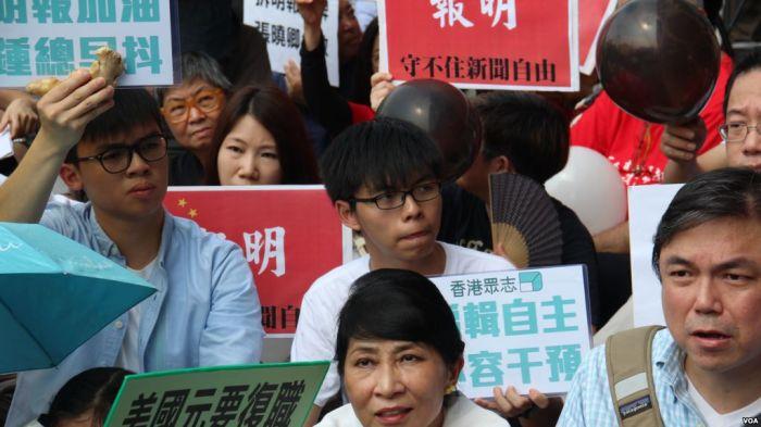 今日中国活在谁的余光中?