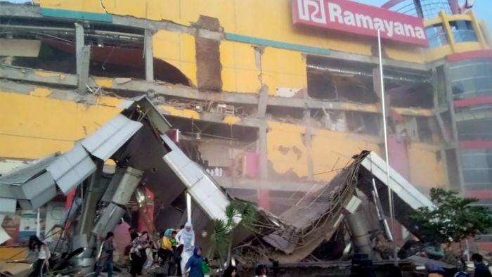 印尼28日发生大地震,引发海啸多人失踪
