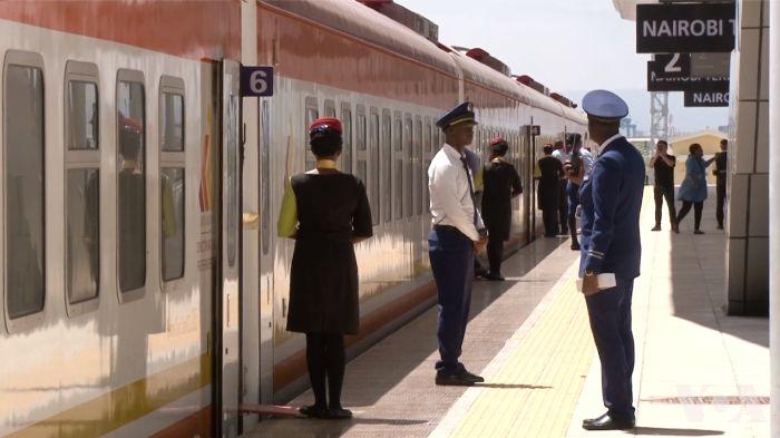肯尼亚巨资建造的中国标准铁路驶向何方?
