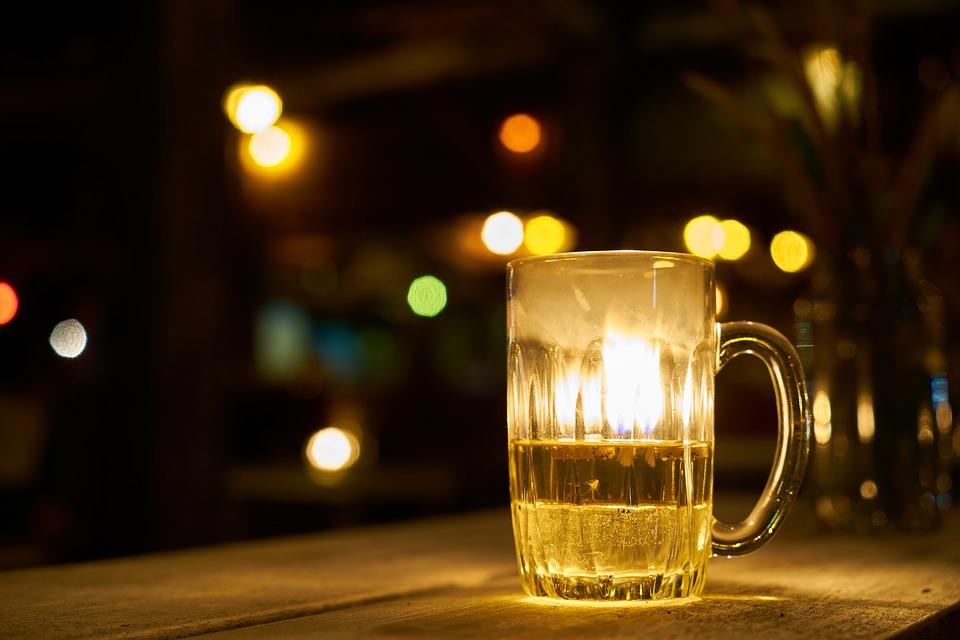 人民的小酒:研究说共产主义仍然导致酗酒