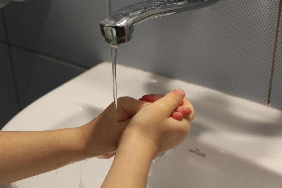 如何正确洗手杀菌:用凉水还是用热水