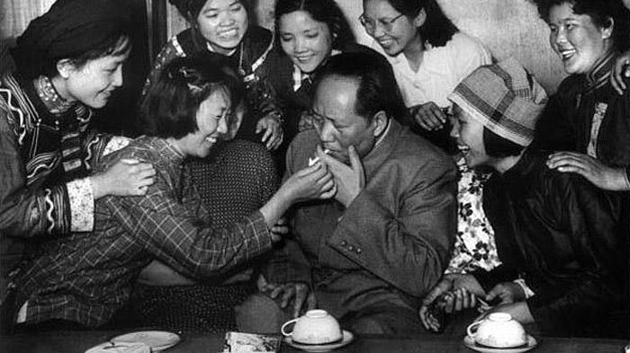 卢弘:一对姐妹花与毛泽东的一段情