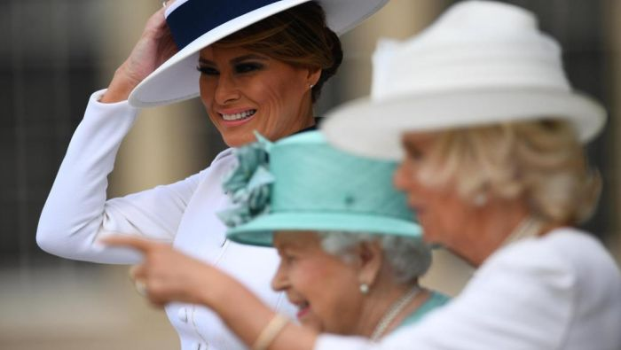 特朗普访问 女王大礼隆重接待